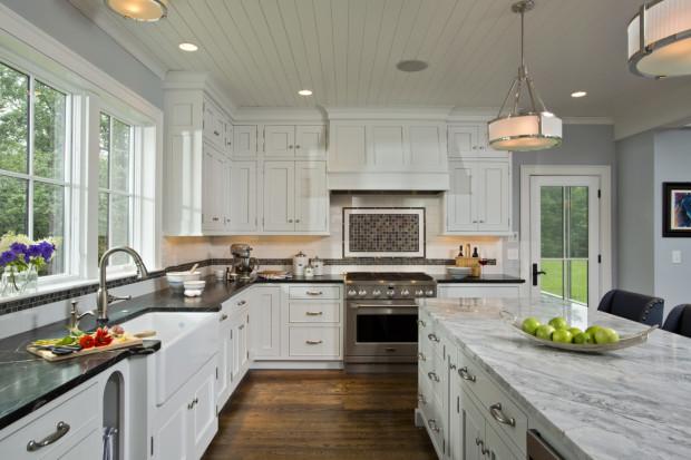 Kitchen and bath design by designer Eva Lindsell for Teakwood Builders.