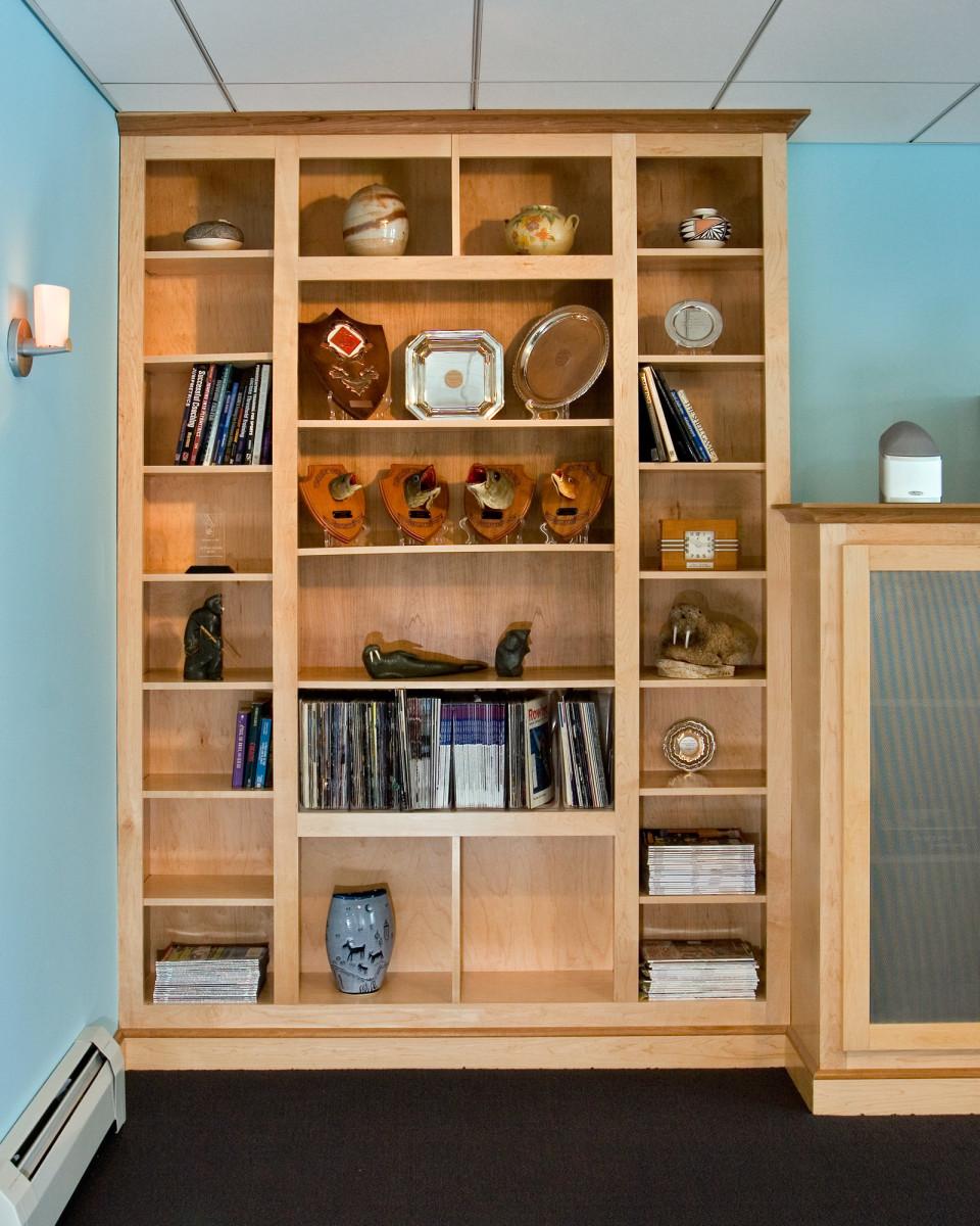 Modern Basement: Teakwood-modern-basement-comfort-02