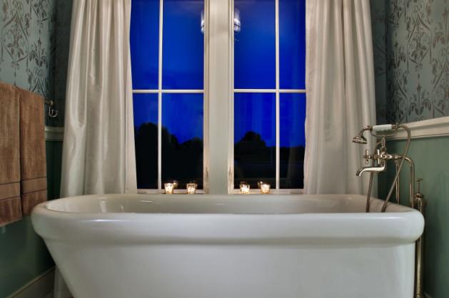 Teakwood Bathrooms: Benchmarks of Luxury Lifestyle